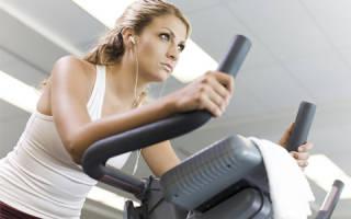 Можно ли заниматься спортом и ходить в тренажёрный зал во время месячных